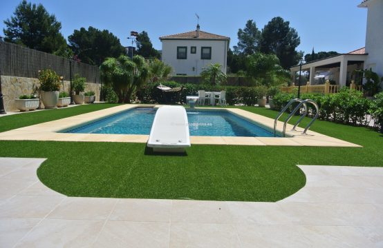 PRO946<br>Sale of Spectacular villa in Las Rotas