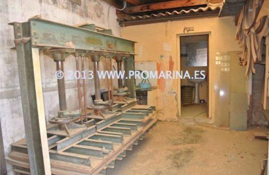 123 <br>Venta de Nave industrial en casco urbano de Denia