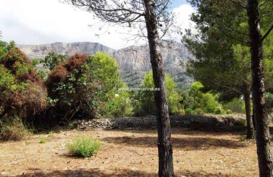 Zu verkaufen großes Grundstück in Javea Montgó