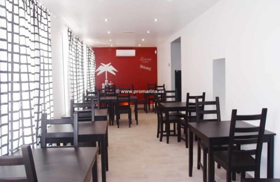 It is sold restaurant &#8211&#x3B; bar and recently renovated apartment in Dénia