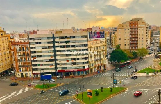 PRO1412 <br> Apartment for sale in La Plaza España de Valencia Capital