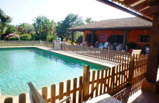 PRO1608<br>Impresionante villa de lujo de estilo mediterráneo