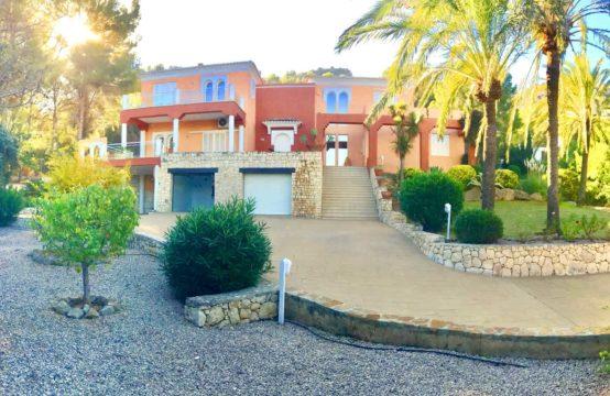 PRO1817<br>Excepcional villa de lujo con vistas al mar y montaña