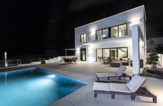 PRO1718C-2<br>Nueva construcción de Villas en una de las mejores zonas de Denia.